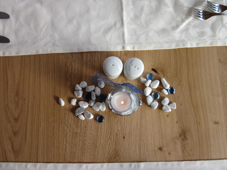 Tauffeier mit festlich gedecktem tisch im l mmerhof for Tischdekoration festlich