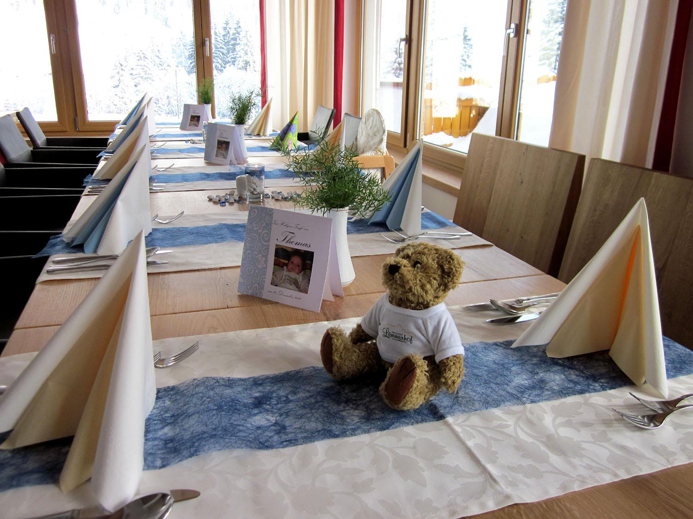 Tischdekoration Tauffeier Junge im Alpengasthof Lämmerhof