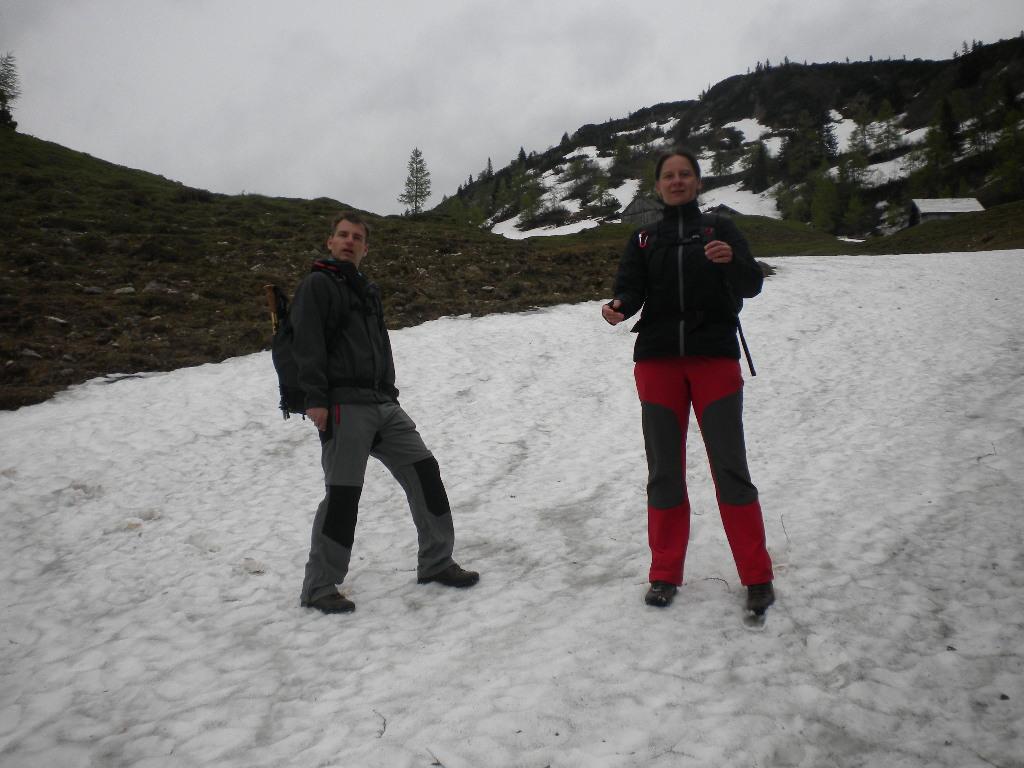 Für eine Schneeballschlacht würde der Schnee noch ausreichen