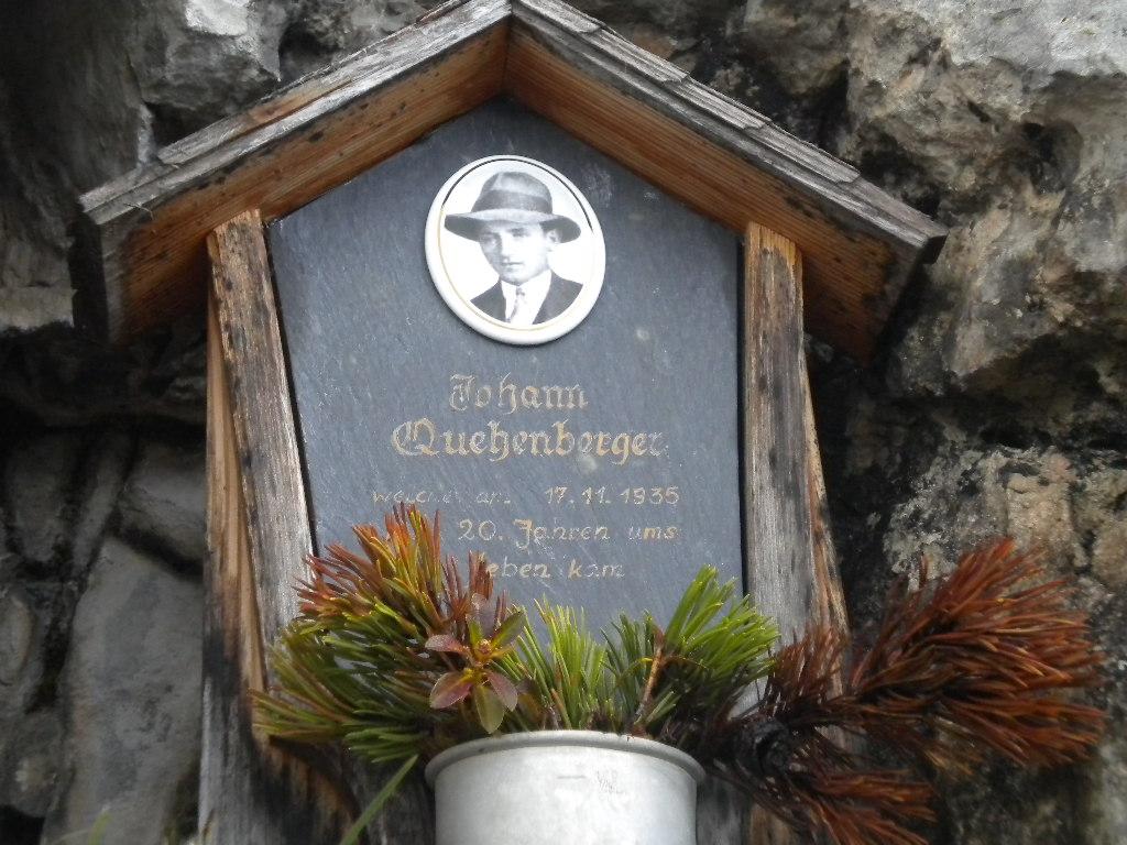 Marterl in Gedenken an einen verunglückten Bergsteiger
