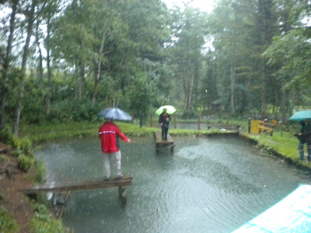 Angeln bei strömendem Regen