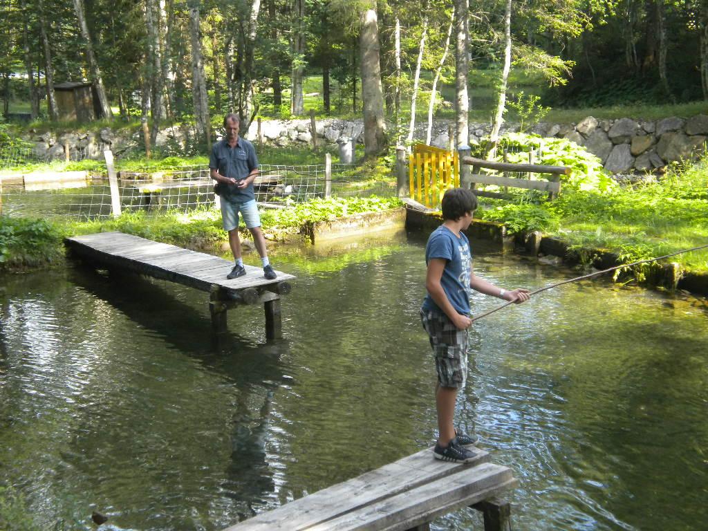Fischen am Hausteich