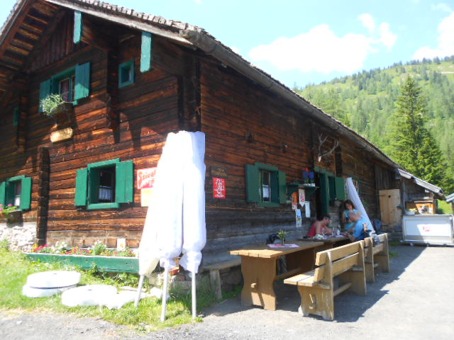 Almhüttenwanderung im Wochenprogramm am Lämmerhof