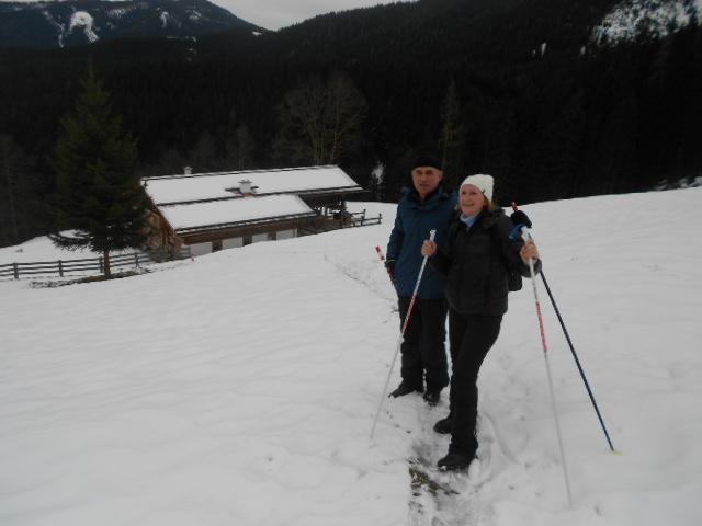 Winterwanderer unterwegs im Lammertal