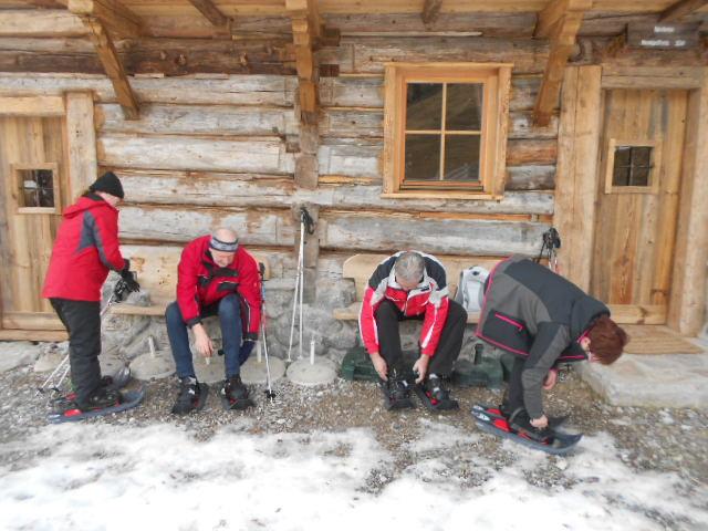 Schneeschuhwanderer auf der Spießalm