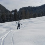 Auf der Skitour die Winterlandschaft erkunden