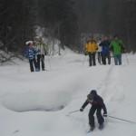 Durch die tiefverschneite Natur wandern