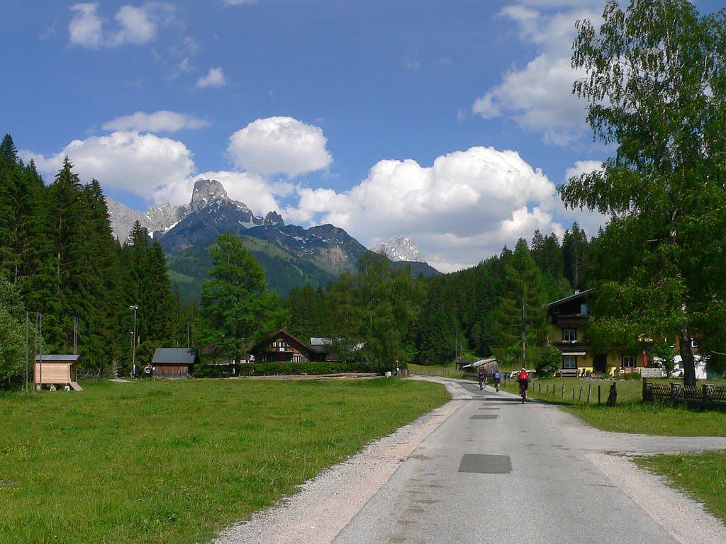 Neubachtal Spazieren mit Kinderwagen
