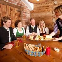 Hoagascht im Tennengau mit Käsejause