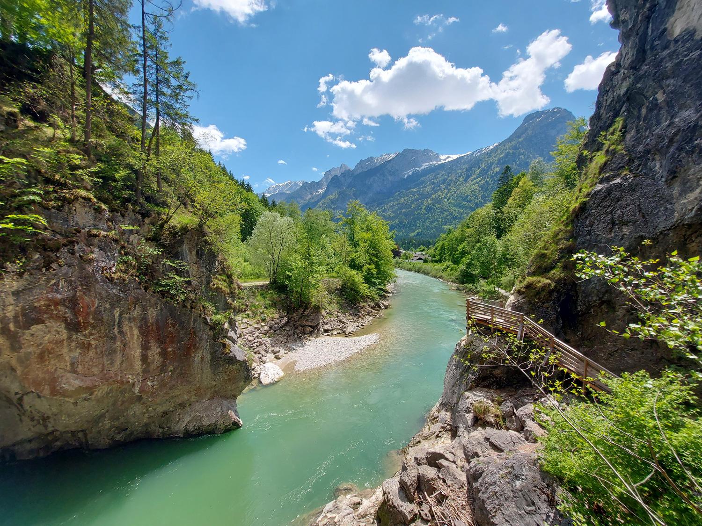 Fluss wird ruhig und breit