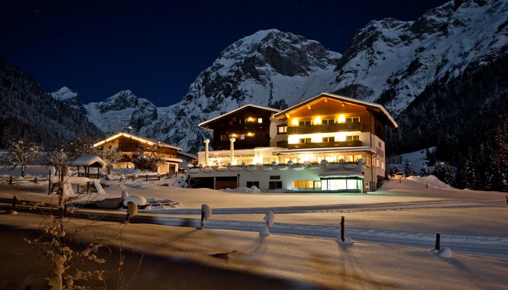 Winterfotos vom Alpengasthof Lämmerhof und dem Tennengebirge