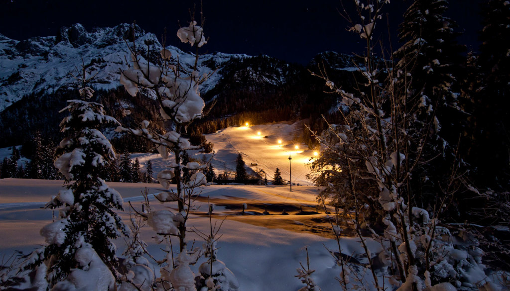 Nachtskifahren im Salzburger Land