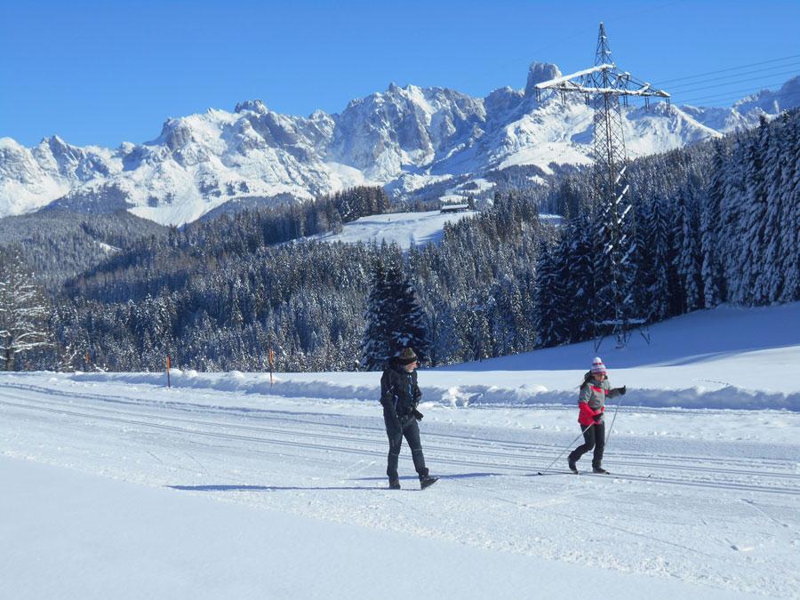 Schneeschuhwandern langlaufen stmartin 10 laemmerhof 39 s blog for Fischteich im winter