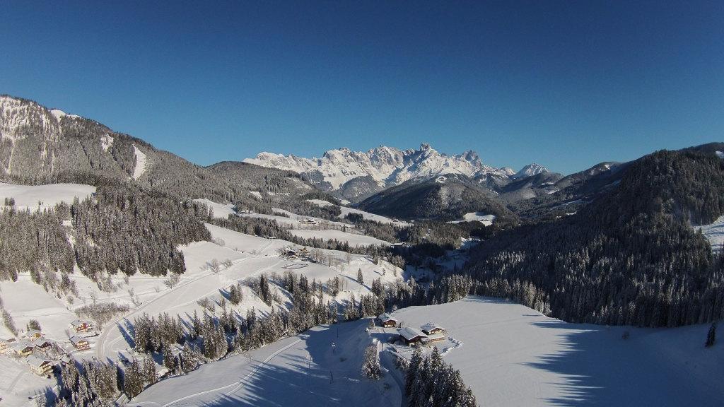 Winterpanorama vom Gosaukamm aus dem Lammertal in Salzburg