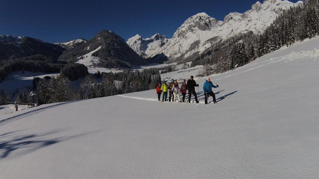 Schneeschuhwandern in den Hängen des Tennengebirges