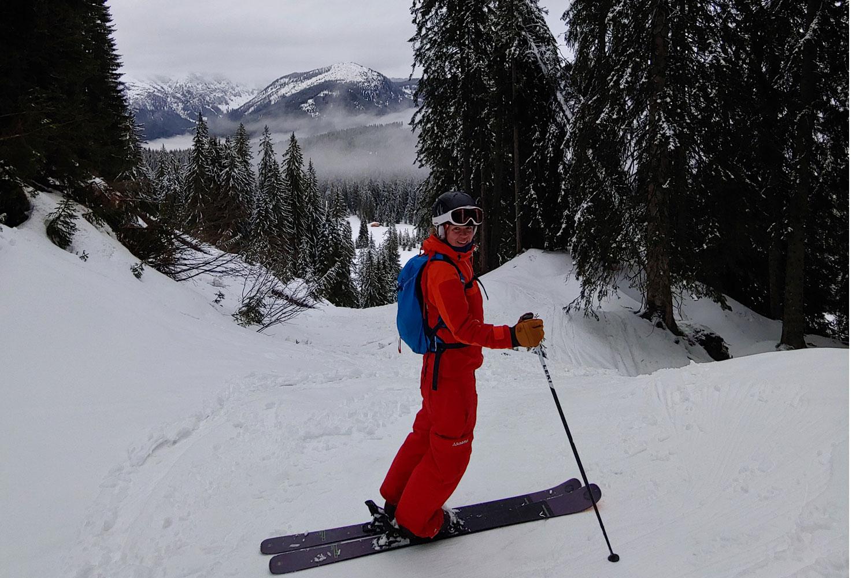 Skilehrerin im Freeridekurs