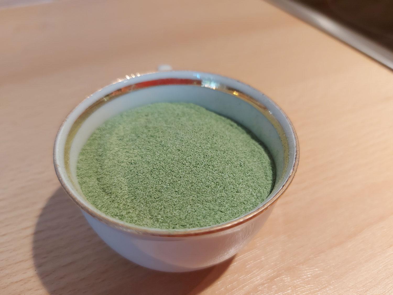 Salz mit getrockneten Bärlauch