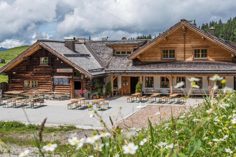 Die Rottenhofhütte ist besonders für seine hausgemachten Käsespezialitäten bekennt! © rottenhofhuette.at